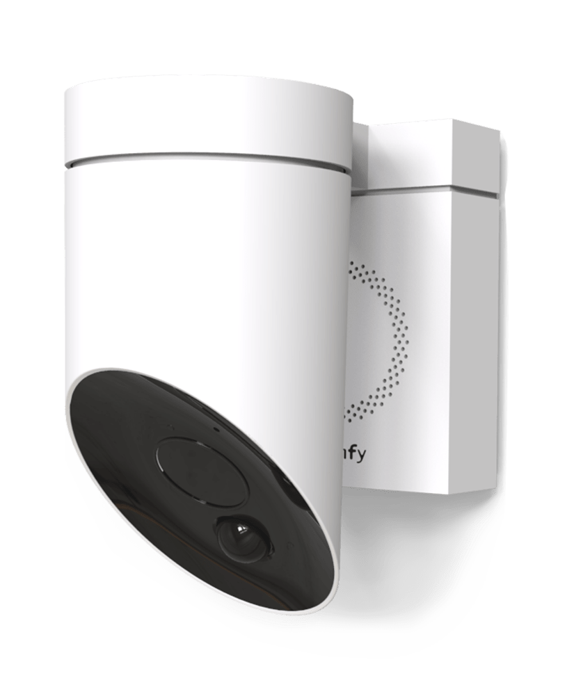 the outdoor camera with a built in siren somfy protect. Black Bedroom Furniture Sets. Home Design Ideas